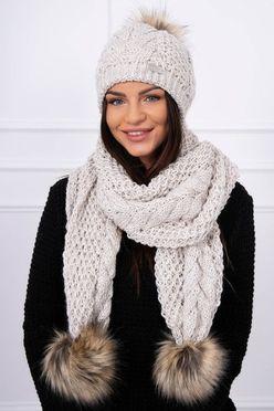 Béžová pletená dámska čiapka a šál s brnbolcami K110