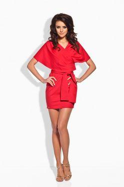 Červené krátke šaty s originálnym dekoltom