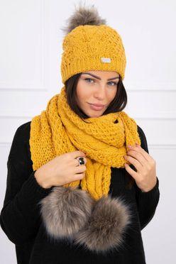Hočicová pletená dámska čiapka a šál s brnbolcami K110